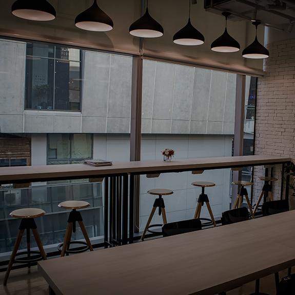 Coworking Space เซ็นเตอร์พอยท์ ออฟ สยามสแควร์ ชั้น 4 – นั่งทำงาน – สอนพิเศษ – เช่าห้องประชุม – สัมมนา